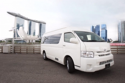 Toyota Hiace Coach - 12 Hours Disposal